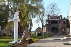 Sanktuarium i Parafia